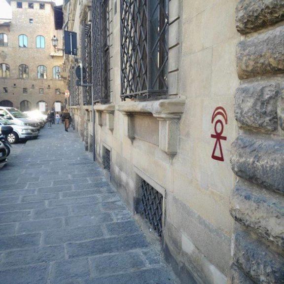 Firenze, Piazza de' Mozzi angolo Lungarno Torrigiani